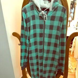 VENUS grey & green plaid onesie